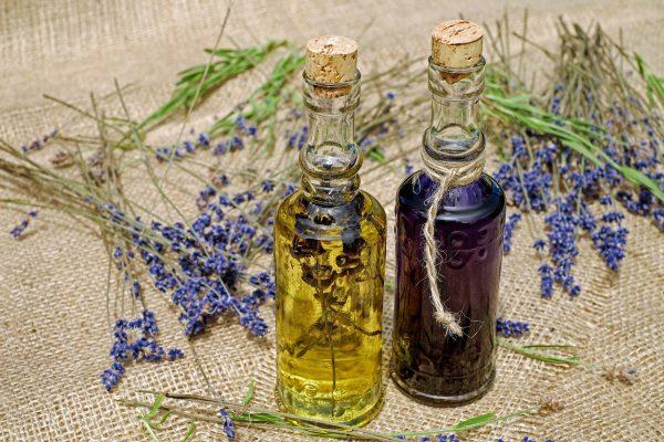 Préparer son quotidien avec les huiles essentielles